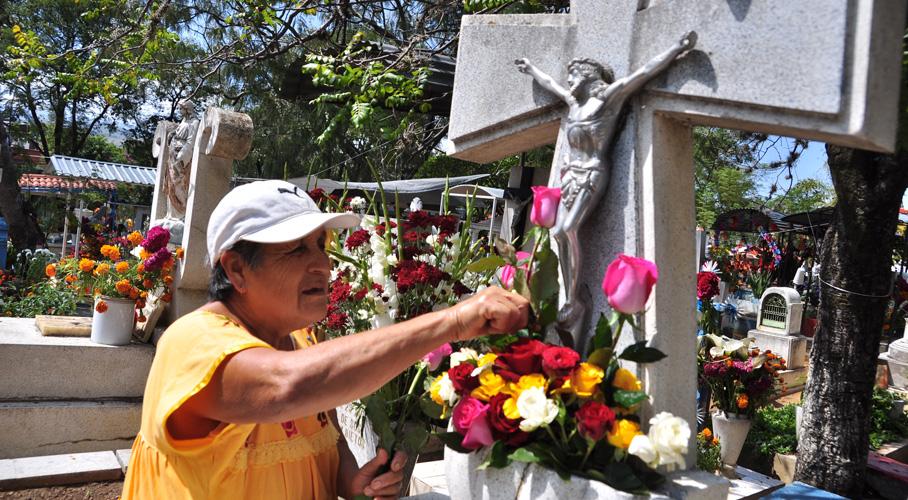Inician los lunes de panteón en Oaxaca